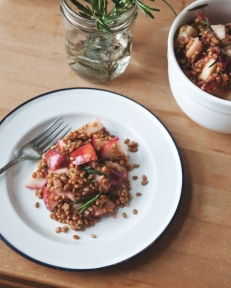 Warm-Rosemary-Apple-Wheatberry-Salad_04